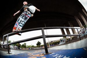 Flo_Westers_Nosegrind