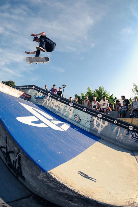 Joe Hill – Hardflip bs revert | COS Cup 2015 Dresden